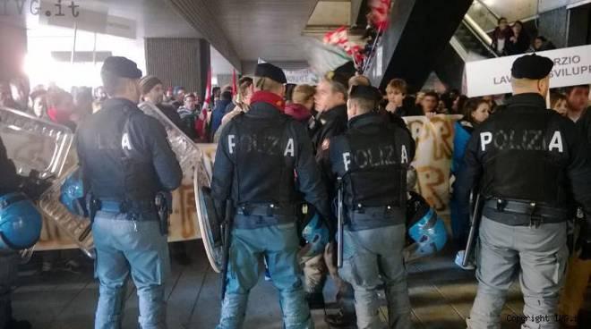 protesta lavoratori formazione professionale