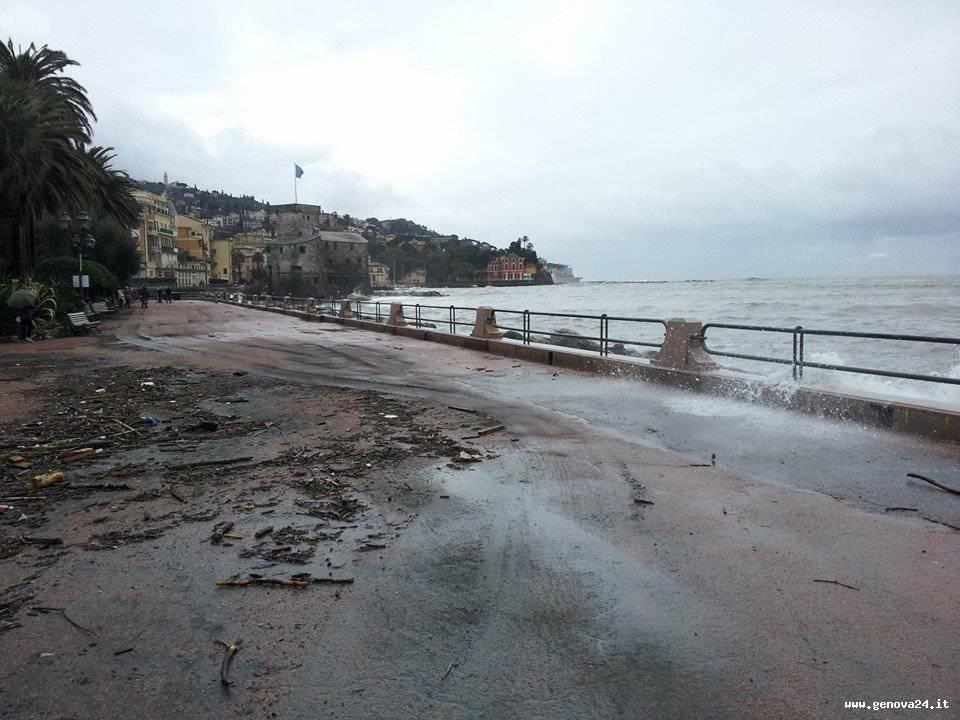 rapallo mareggiata tempesta natale (foto sindaco costa fb)