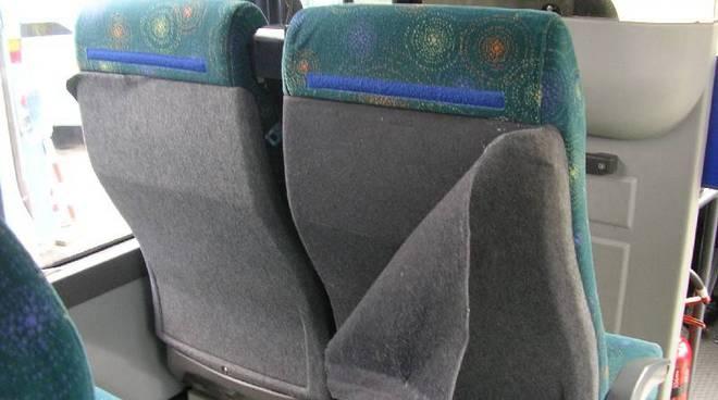 atti vandalici autobus