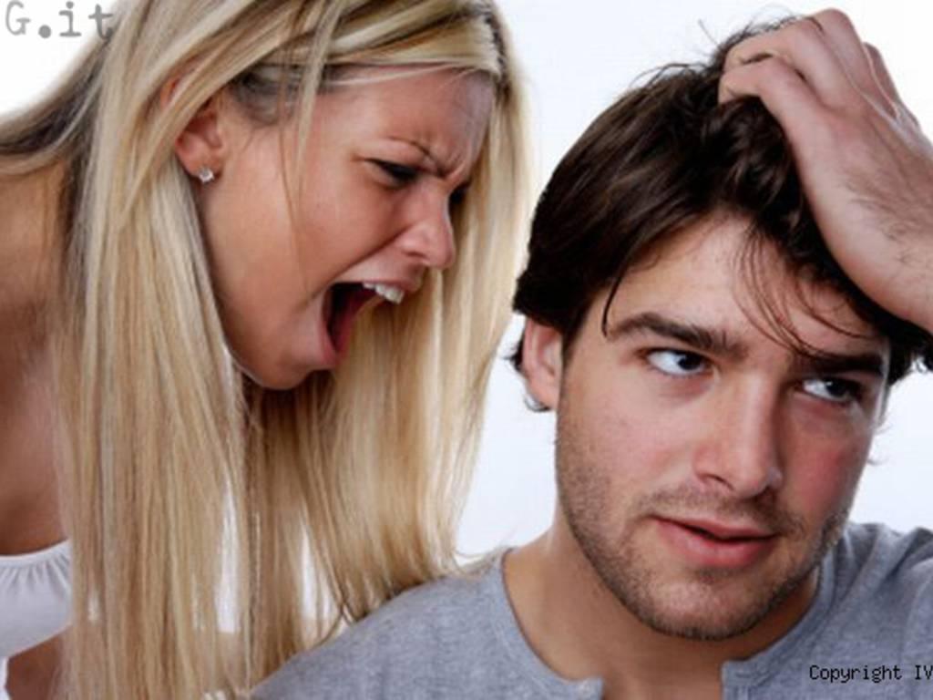 Eiaculazione precoce sesso coppia donna sgrida uomo