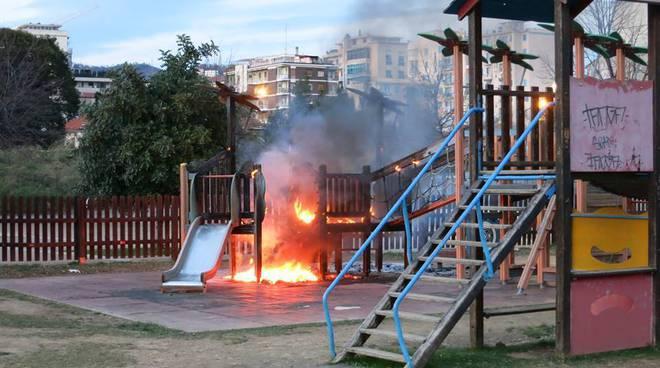 Giardini ammiraglie giochi bruciati