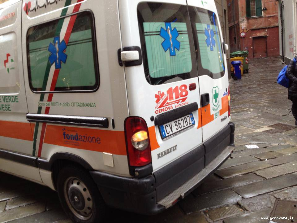 ambulanza croce verde