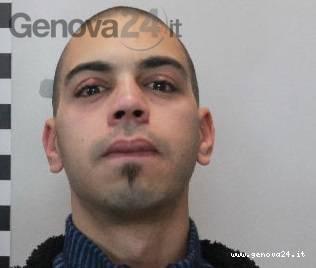 arrestato tenta di buttare fidanzata incinta dalla finestra