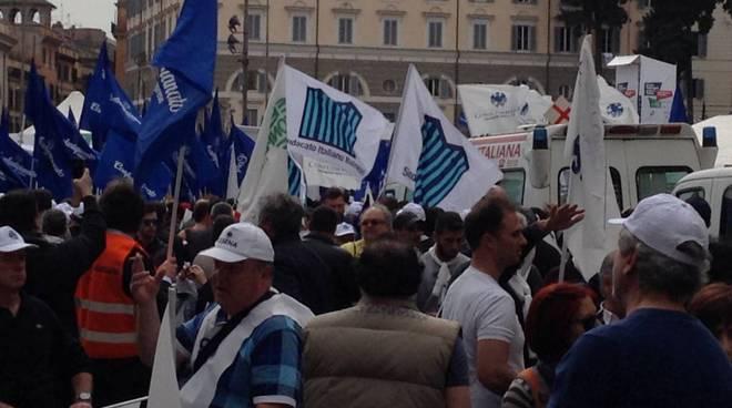 manifestazione balneari roma