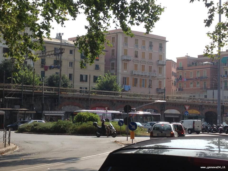 piazza vittorio veneto sampierdarena