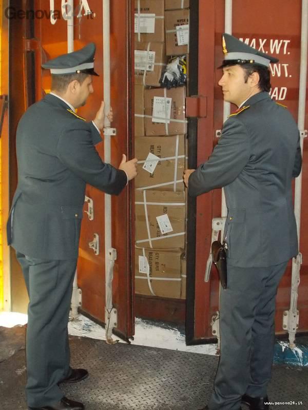 alimentari contrabbando, sequestro porto genova, container