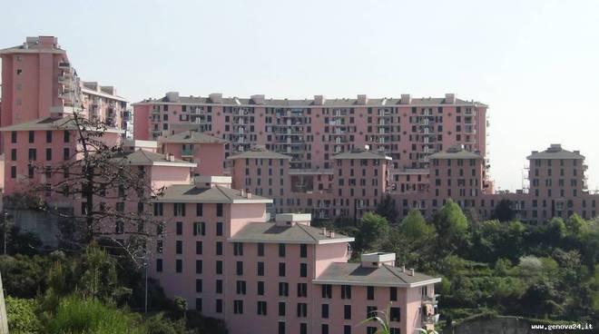 Bimba morta nella culla a Voltri, genitori indagati per maltrattamenti
