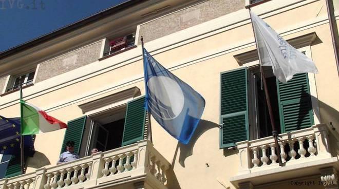 bandiera blu pietra
