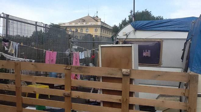 campo nomadi rom cornigliano