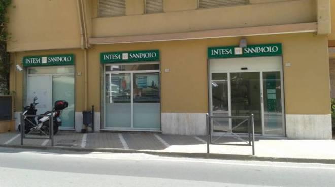 filiale banca intesa sanpaolo