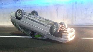 incidente a10 auto cappottata