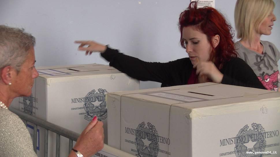 voto seggio elezioni 2014
