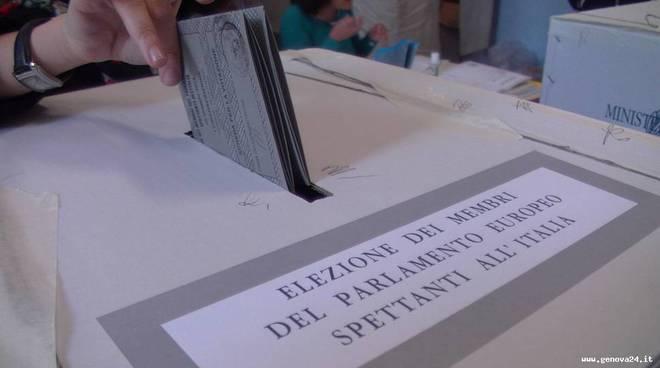 voto seggio elezioni europee 2014