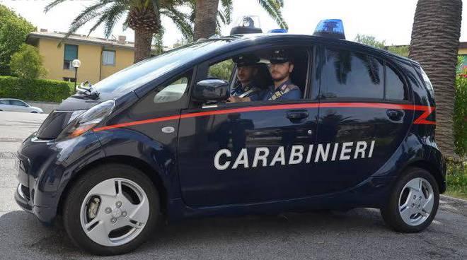 carabinieri auto elettrica