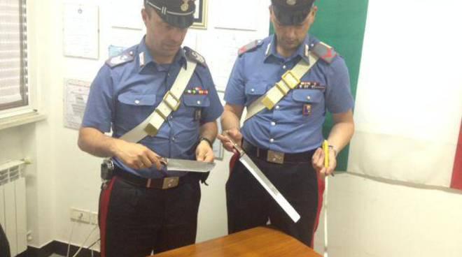 carabinieri camogli, ladro chiesa, offerte, nastro biadesivo