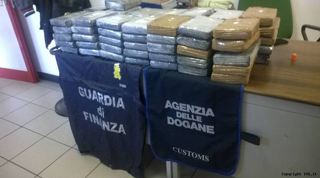 guardia di finanza sequestro droga cocaina
