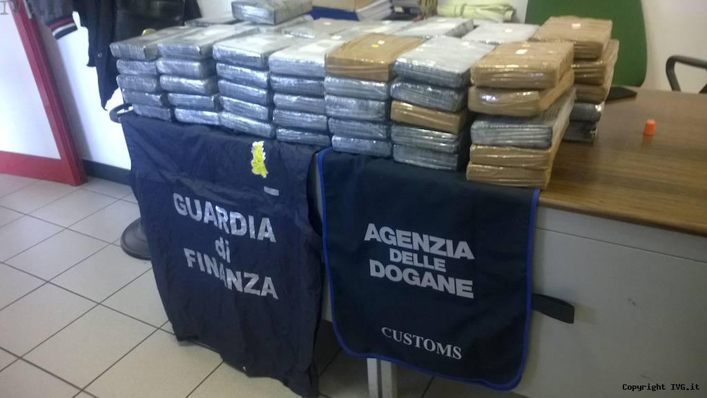 guardia di finanza sequestro droga cocaina