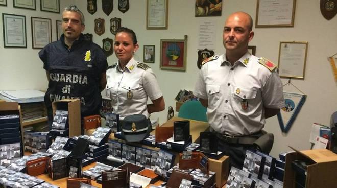 guardia finanza false griffes, merce contraffatta