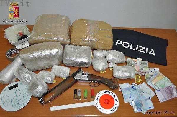 marijuana e fucile sequestrato