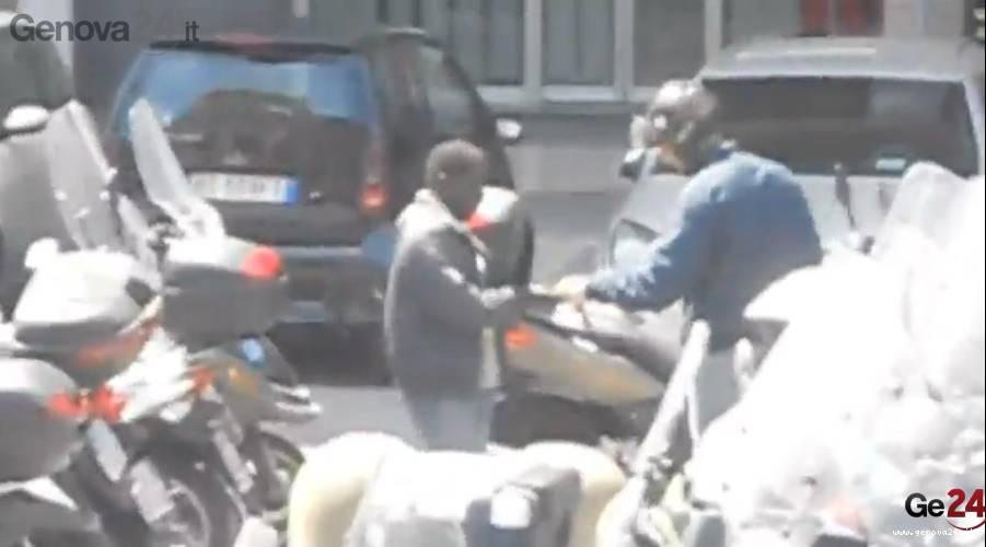 parcheggiatori abusivi piazza dante