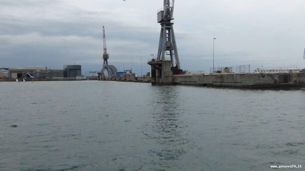 costa concordia porto di genova area ex superbacino