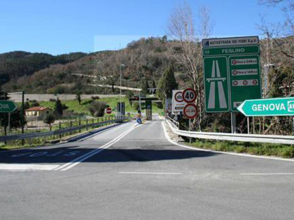 Casello autostradale Orco Feglino