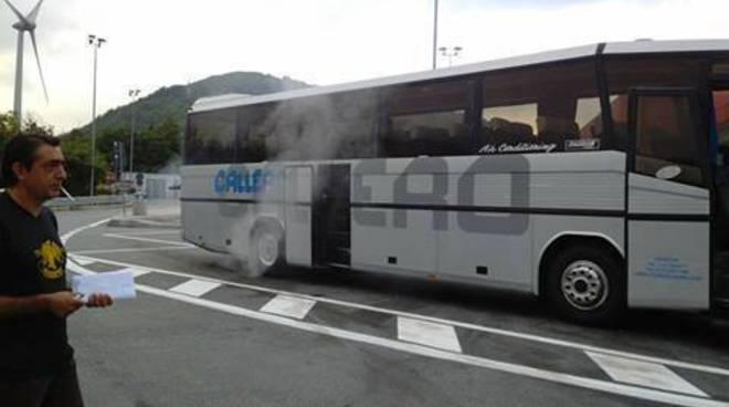 pendolari genova acqui bus sostitutivi