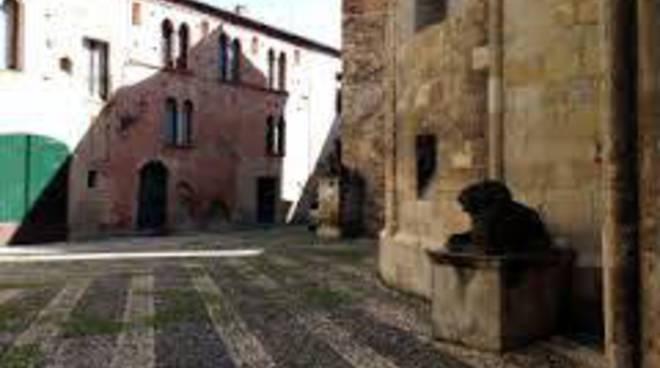 piazza dei leoni albenga