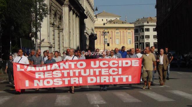 amianto genova protesta