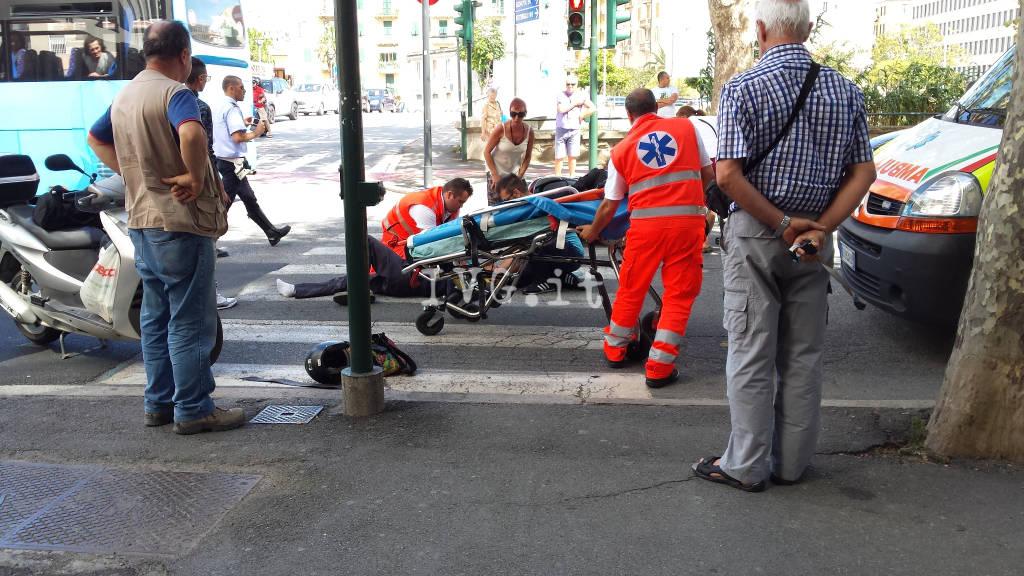 scontro auto-scooter in corso Ricci