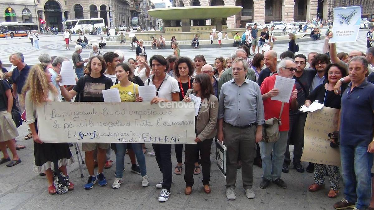 scuola protesta studenti insegnanti
