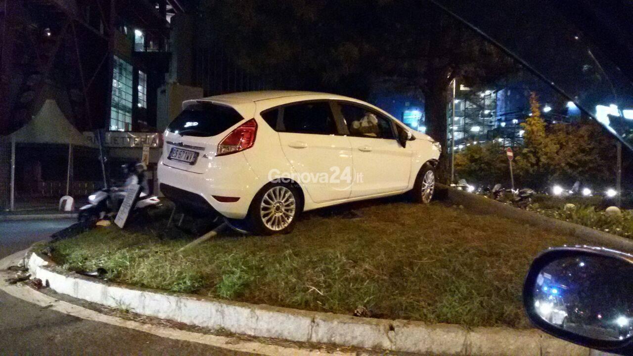 Spettacolare incidente alla Fiumara