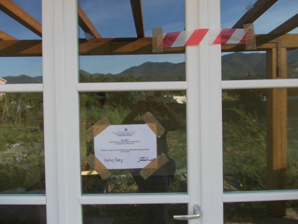 Villetta abusiva sotto sequestro a Garlenda