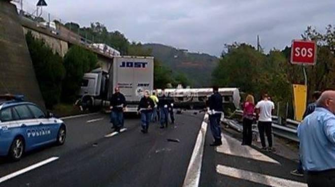 incidente a10, camion