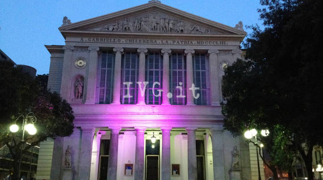 Teatro Chiabrera Savona rosa campagna Lilt prevenzione tumore seno
