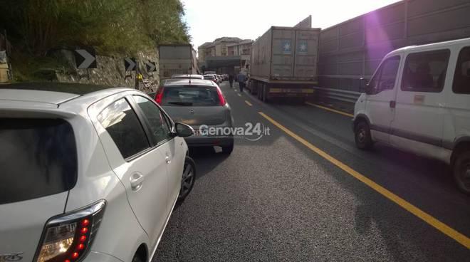 a10 incidente traffico bloccato