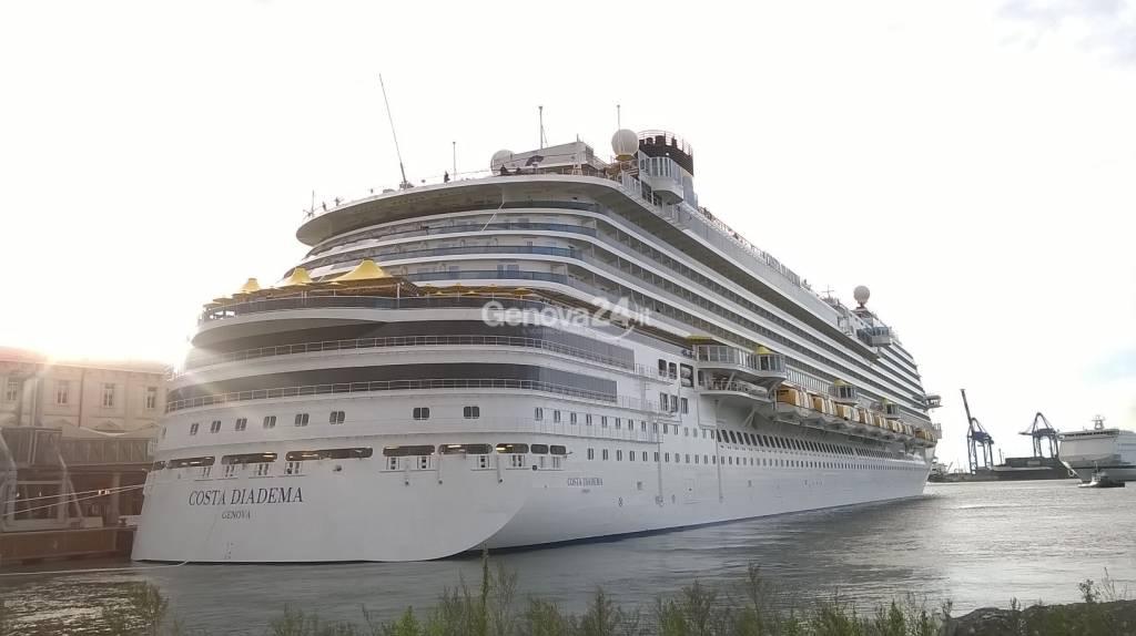 La Costa Diadema arriva a Genova