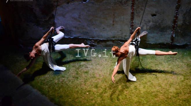 danza verticale