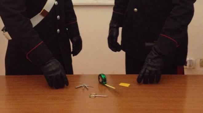 elemosina furto carabinieri santa