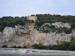 Frana Finale Ligure: evacuata palazzina, chiusa strada delle Manie