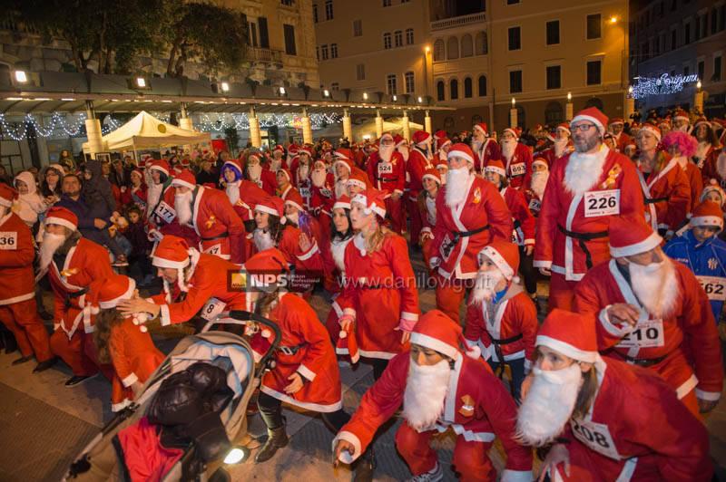Savona, la corsa dei Babbi Natale