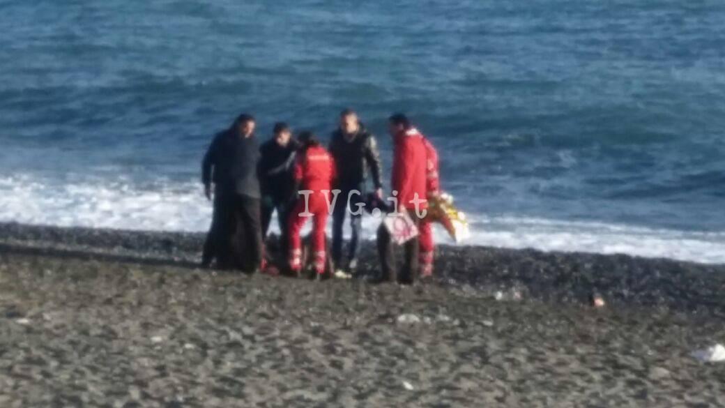 varazze uomo in mare