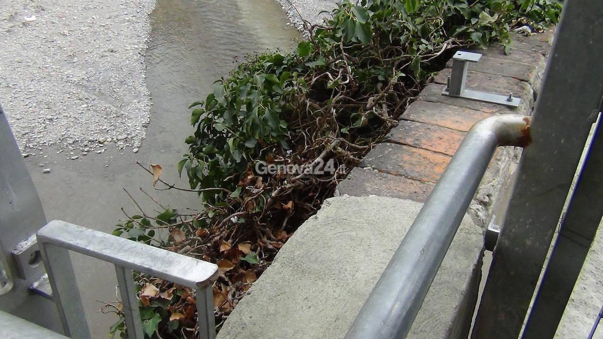 Brignole, il cancello chiuso sul Bisagno