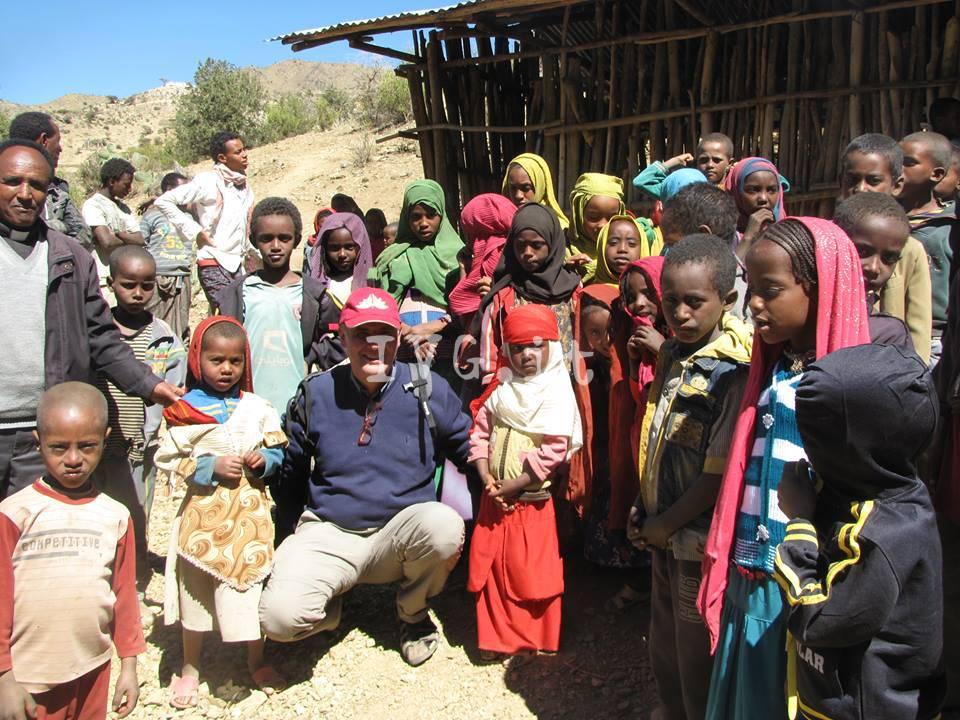 Ristoratore-scrittore di Alassio inaugura un pozzo in Etiopia con i proventi del suo libro