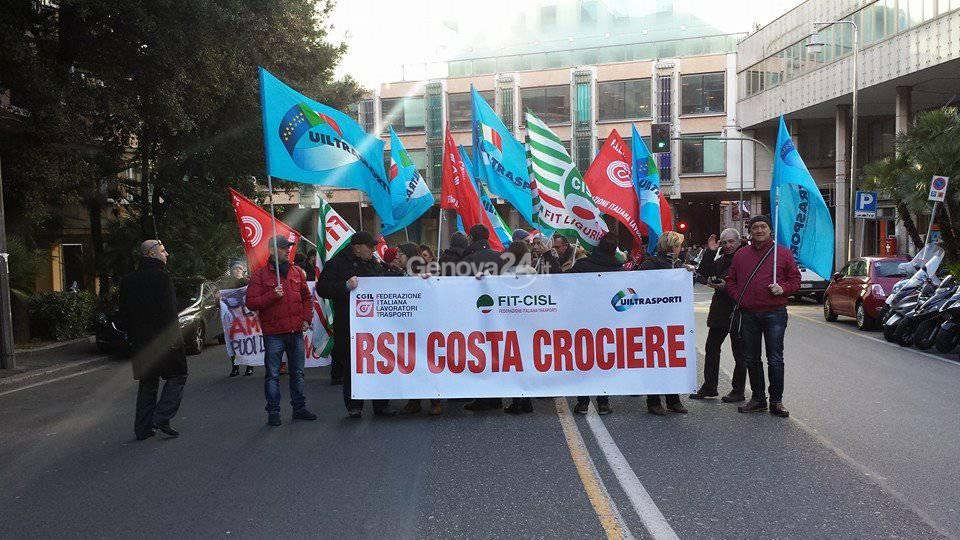 Sciopero e corteo dei lavoratori di Costa Crociere