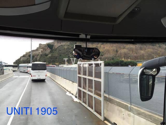 Vado Ligure - tifosi Bastia fumogeni al porto