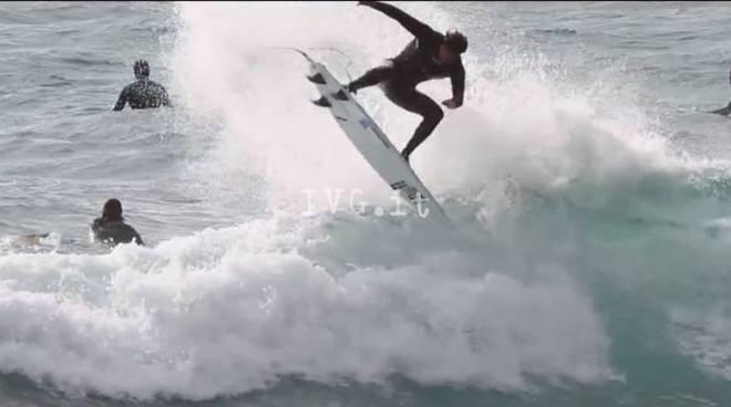"Varazze paradiso dei surfisti nel video ""Uncrowded"""