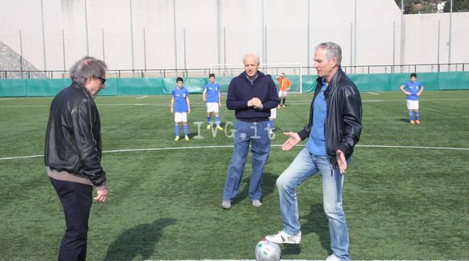 Alassio: Bordon, Marini e Bettega in campo con 60 bambini per il calcio d'inizio all'amichevole tra le giovanili