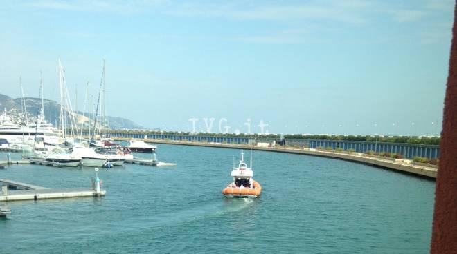 Loano capitaneria porto ricerche motovedetta