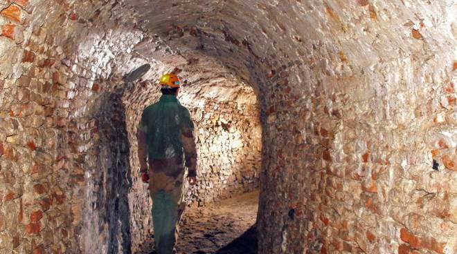 cunicoli sotterranei priamar gruppo speleologico